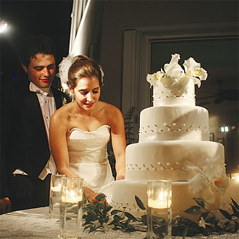 wedding cake table set up | NOT the cake | June 28, 2009 | Flickr