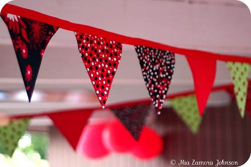 Ladybug party garland | by *mia*