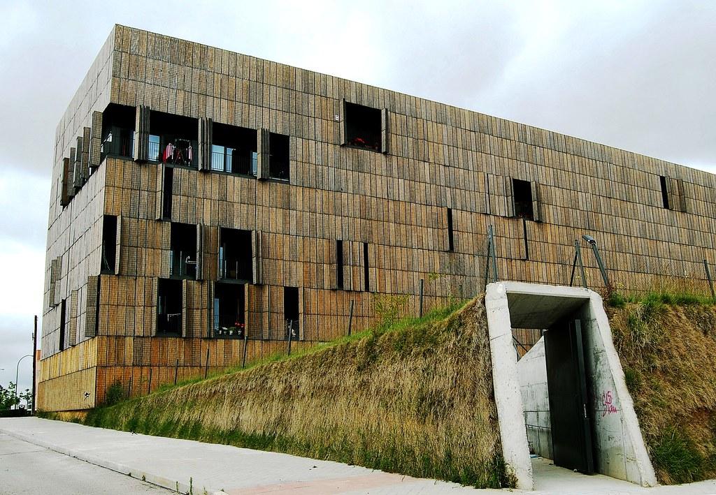 Resultado de imagen de edificio bambu carabanchel