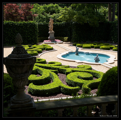 Hillwood garden french parterre garden hillwood estate for Parterre 3d