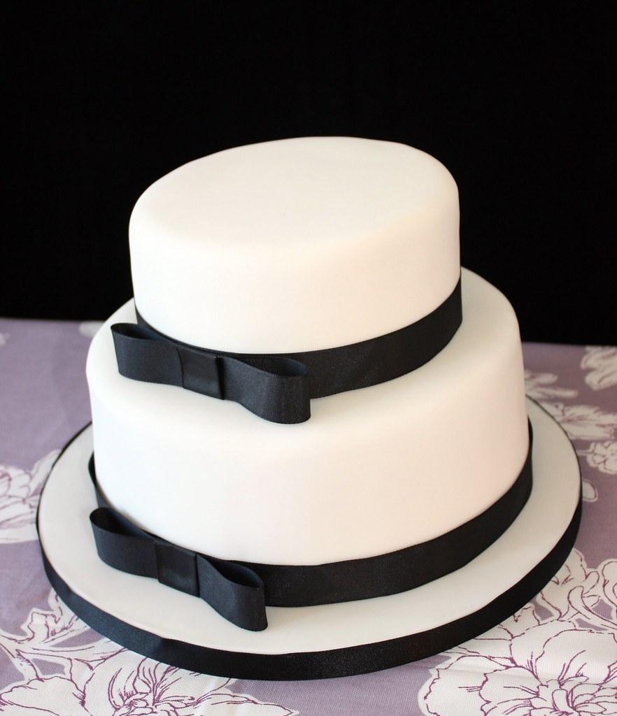 Black white wedding cake simple white 2 tier stacked wed flickr black white wedding cake by consumedbycake junglespirit Image collections