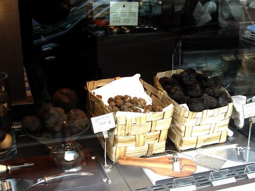 Maison de la truffe place de la madeleine paris flickr - La maison de la truffe madeleine ...