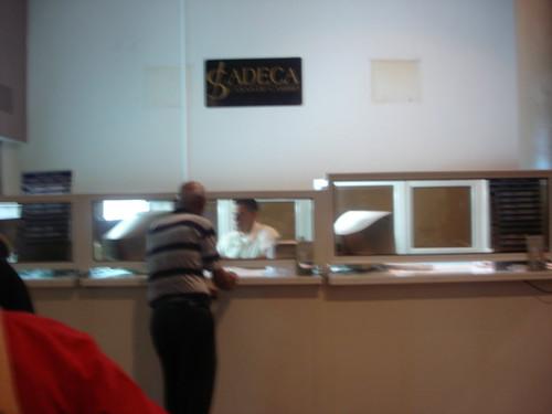 Cadeca oficina de cambio de moneda la habana cuba flickr - Oficinas de cambio de moneda ...