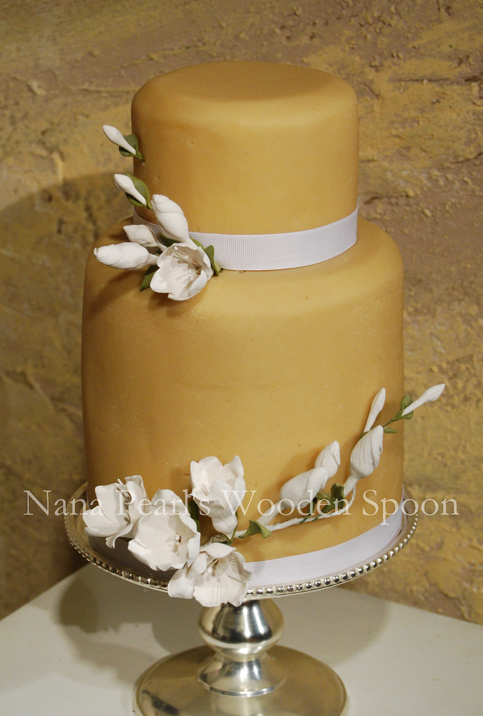 Art Deco Freesia Wedding Cake | This wedding cake is one of … | Flickr