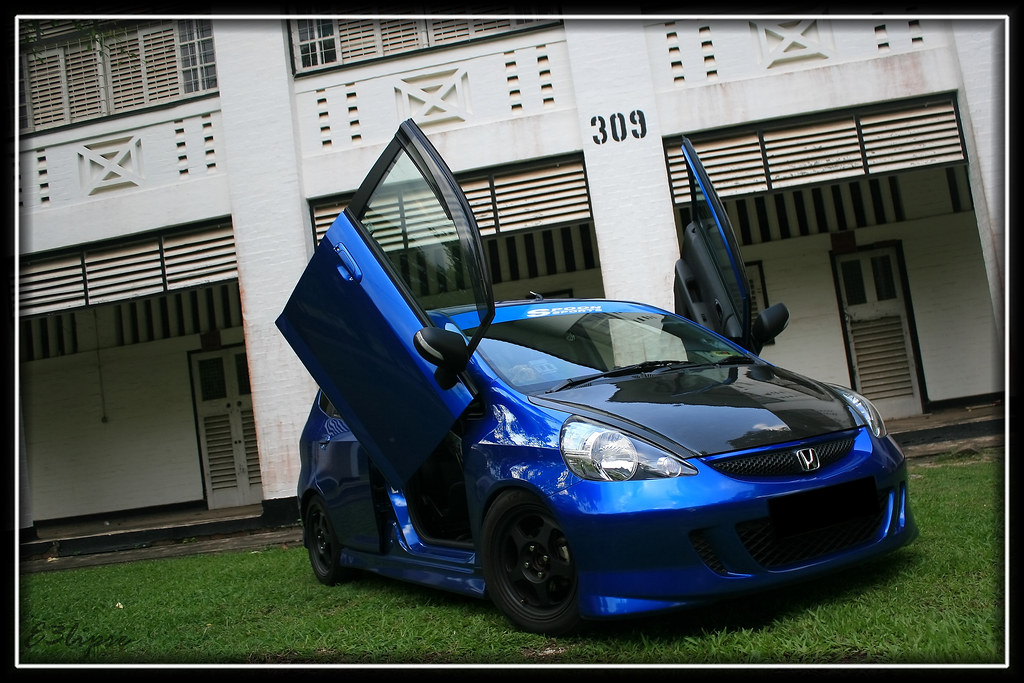 ... Vivid Blue Honda Jazz GD1 with Scissors Door | by e3lipse & Vivid Blue Honda Jazz GD1 with Scissors Door | Wei Jie Sng [Melvin ...