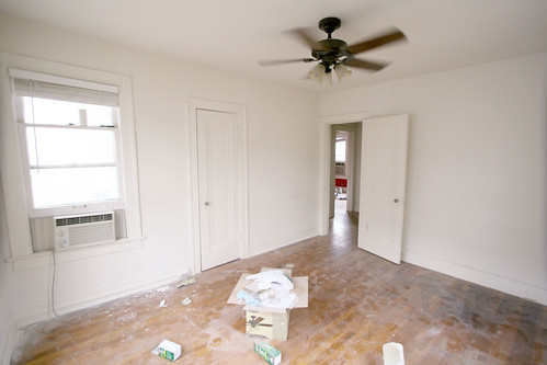Apartment make ready during back bedroom for Make ready apartment