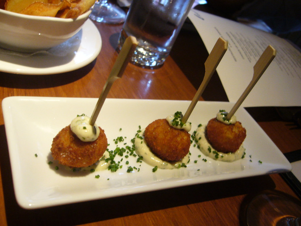 amuse bouche - crab cakes with tartar sauce | Becky Quan | Flickr
