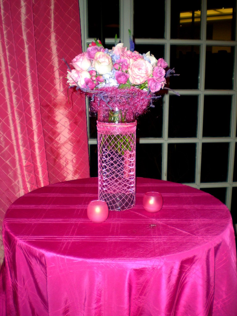 Pink wedding centerpiece | Pink and white roses look pretty … | Flickr