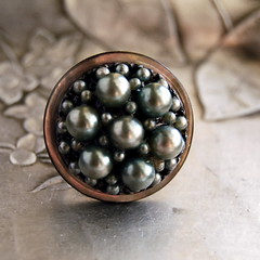 Moon pearls vintage button ring | by calloohcallay