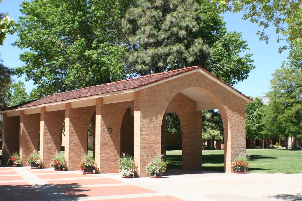 Albuquerque Academy Campus Map.Albuquerque Academy Welcome Arches On Central Campus Alex Flickr