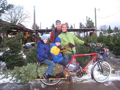 Xtracycle Tree Haulin 2008: The happy family | by carfreedays