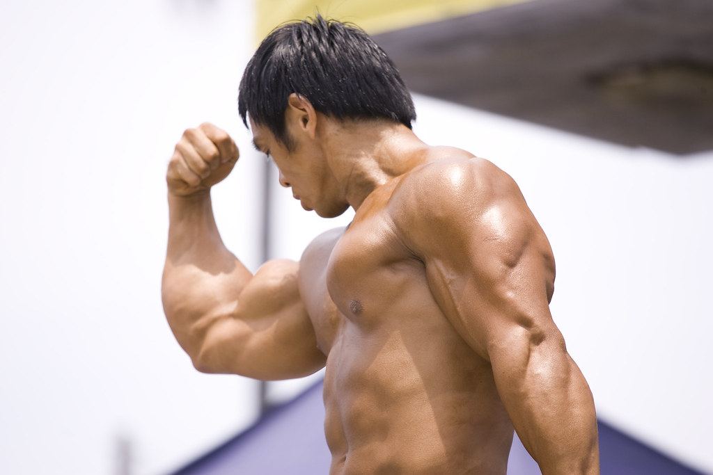 Bodybuilding Competition Diet Vs. Everyday Nutrition