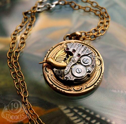 windup bird vintage locket necklace by 19 moons steampunk