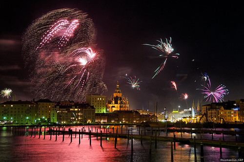 New Year's fireworks in Helsinki | by taivasalla