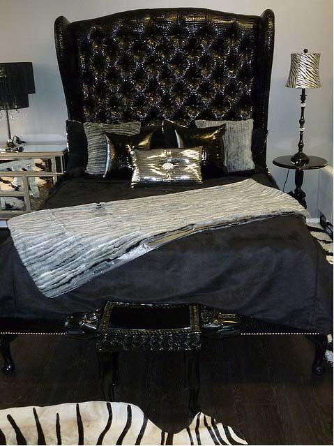 4098 BLACK TUFTED CROCODILE ELEGANT SLEIGH BED