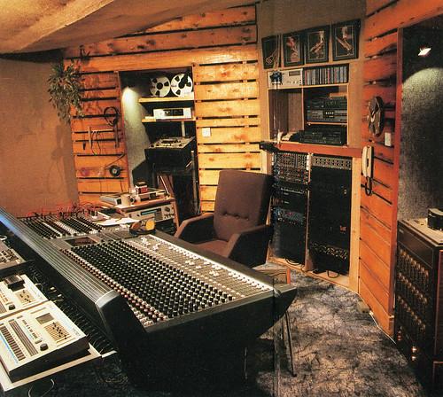 Modern Music Studio: Mudd Wallace's Homestead 24 Track Recording Studio, Randal