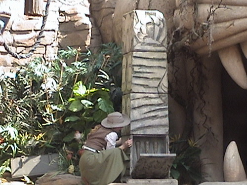 Indiana Jones™ and the Secret of the Stone Tiger Revealed!, Aladdin's Oasis, Adventureland, Disneyland®, Anaheim, California, 2008.05.26 15:24 | by Dr. Disney Wizard