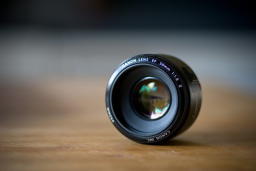 Canon EF 50mm f/1.8 ll | by iSteiney