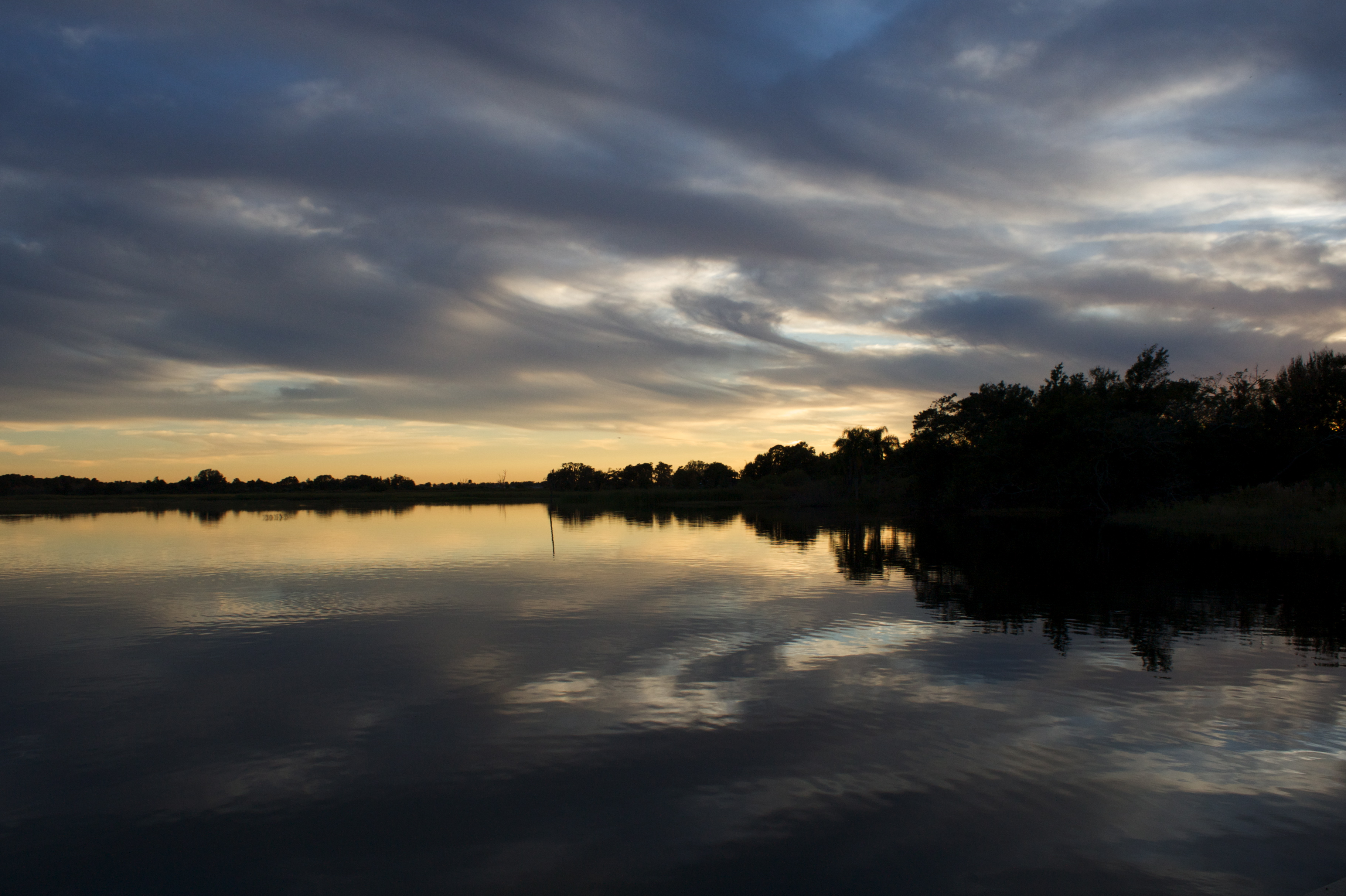 Lake Tohopekaliga, Kissimmee FL (November 2008) [OC][3643x2425]