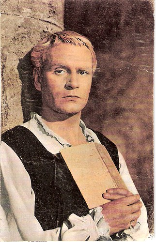 Laurence Olivier in Hamlet (1948) | by Truus, Bob & Jan too!