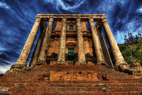 Temple of Antoninus and Faustina | by dfworks