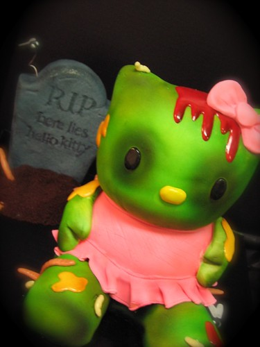 Zombie Hello Kitty Cake zombie hello kitty cak...