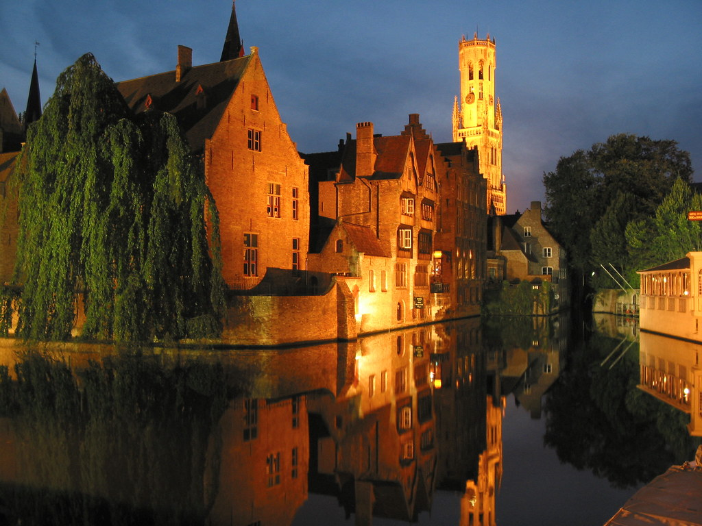 bruge at night by artorusrex