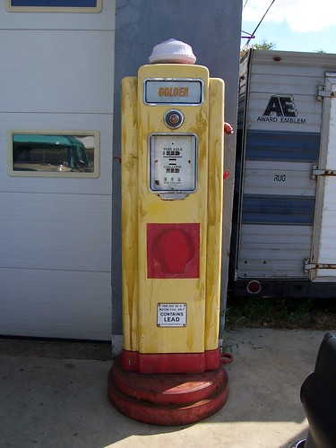 Vintage Shell Gas Pump | A neat vintage Shell gas pump ...