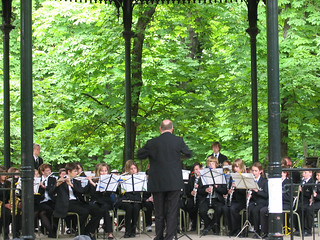 High school band at the Jardin du Luxembourg gazebo | by mariamjaan