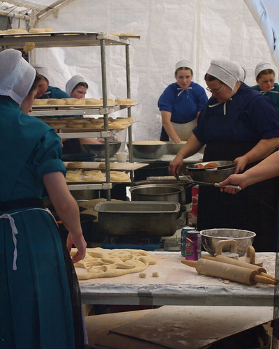 Amish Ladies Make Great Doughnuts | by melingo wagamama