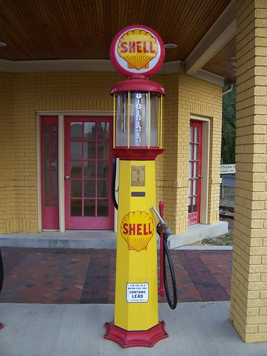 old shell gasoline pump an nifty oldfashioned shell gas