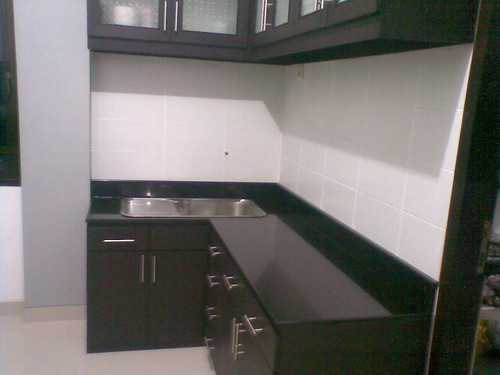 Kitchen set dengan meja granit joko seno aji flickr for Jual granit kitchen set