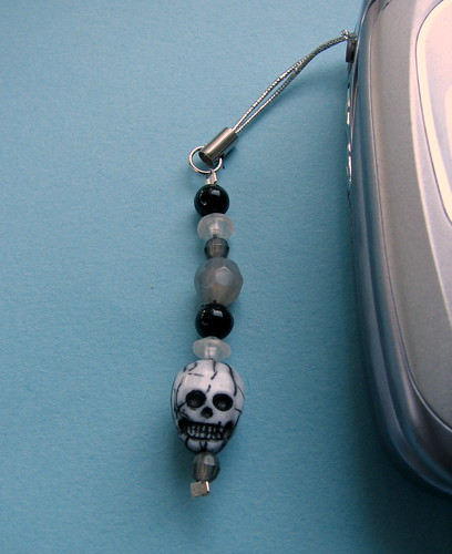 Spooky Skull Cell Charm | by glamourfae