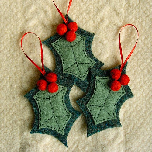 Holly and Berries felted wool ornaments | by FeltSewGood