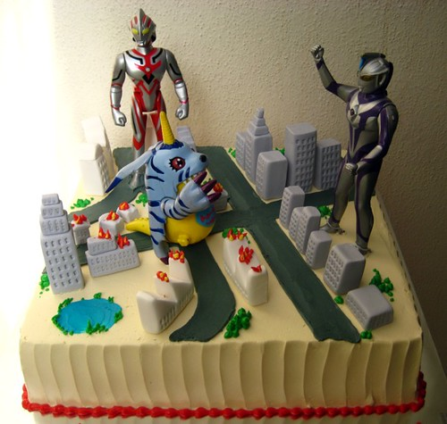 ultraman vs digimon i designed this cake around the toys t Flickr