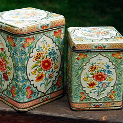 Vintage tin cannisters (made in Holland) | by calloohcallay