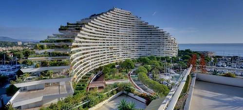 Natural curves ducal building marina baie des anges vi for Magasin de meuble villeneuve loubet