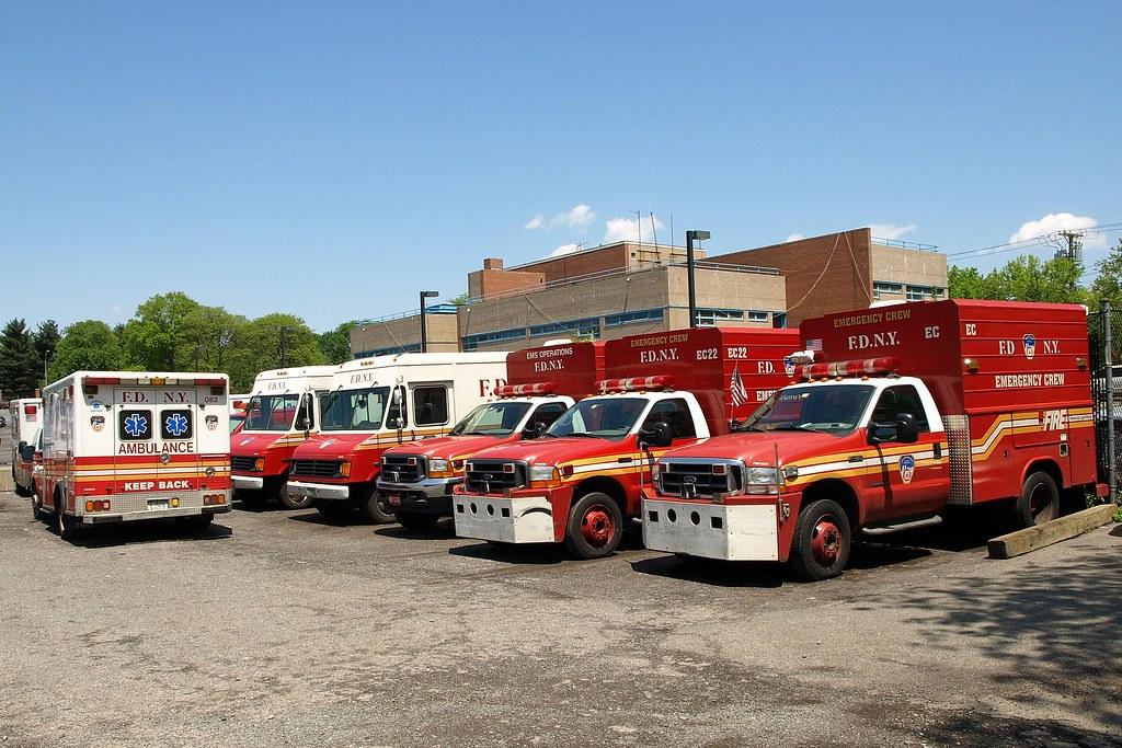 EMS20s FDNY Ambulance & Emergency Crew Trucks at EMS Batta… | Flickr