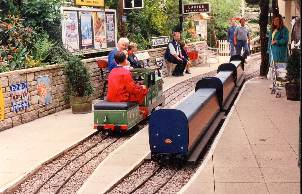 Captivating ... Brookside Garden Centre Railway (early 1990s) | By Trainsandstuff