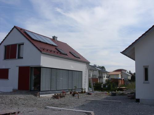 neubauten ohne dachrinne werden modern michael dr gumtau. Black Bedroom Furniture Sets. Home Design Ideas