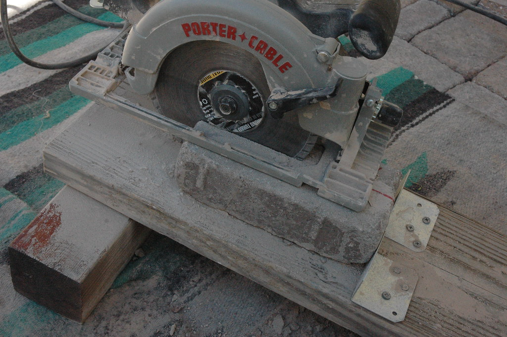 ... 20081109 Patio Paver Cuts   Circular Saw With Diamond Blade   Tumbled  Edge Creation   5