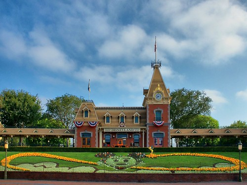 Disney - Disneyland Main Street Train Station | by Express Monorail