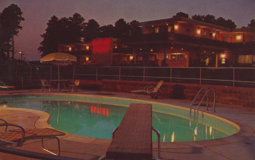 Motel Alpine - Macon, Georgia