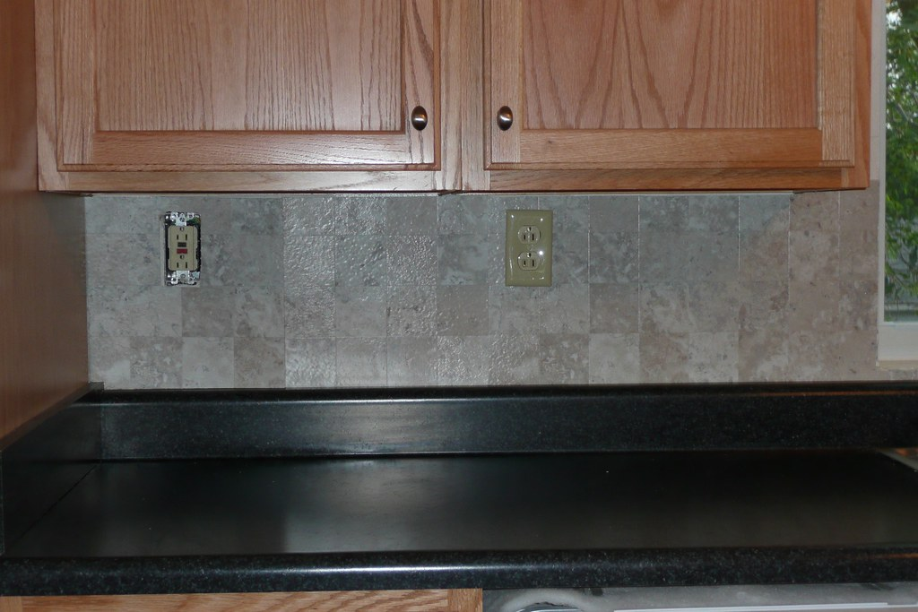 Vinyl tile backsplash by LunaPooka Vinyl