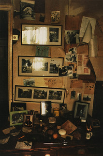 Roald Dahl's writing shed, picture gallery | by ouno design
