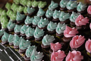 Many Mini Cupcakes 1 | by VintageVictuals