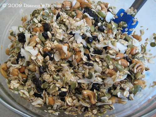 Blueberry Cashew Granola: Mixed | by Dianne's Dishes
