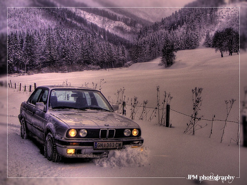 BMW 325ix e30 snow | Music Jinni