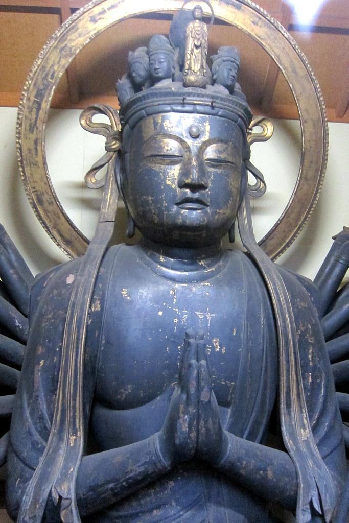 Kyōto - Gion: Chugen-ji - Thousand Armed Kannon