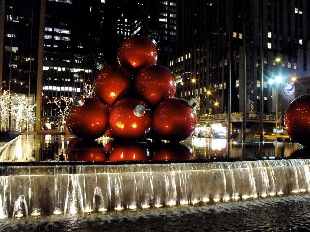 Radio City Fountain - NYC - Christmas Ornaments | Giant foun… | Flickr